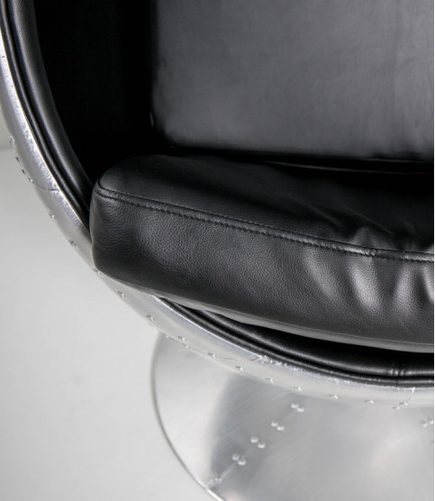Aviator Avenger Egg Ball chair - Armchairs - Meuble Aviateur